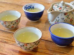 店内で無料で飲める天竜茶